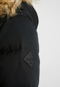 Hollister Co. - PUFFER PARKA - Dunkåpe / -frakk - black - 6
