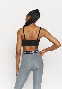 Nike Performance - INDY PACK BRA - Brassières de sport à maintien léger - black/white - 2