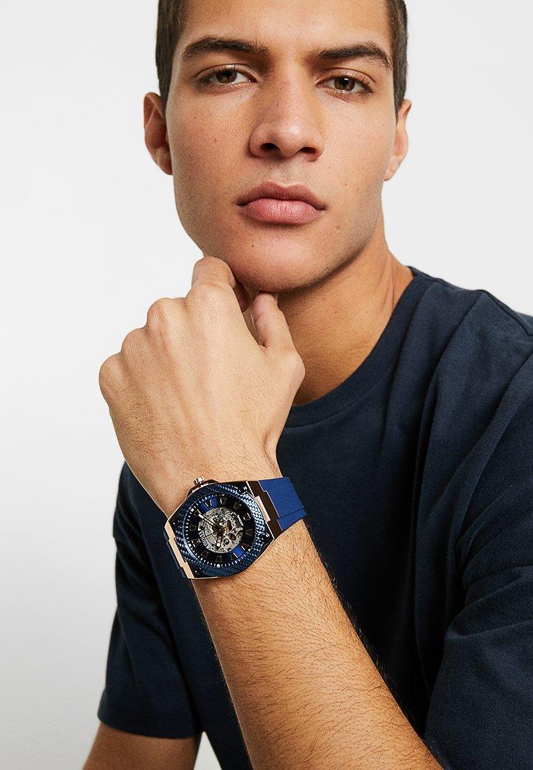 Guess - SPORT - Horloge - blue/rose