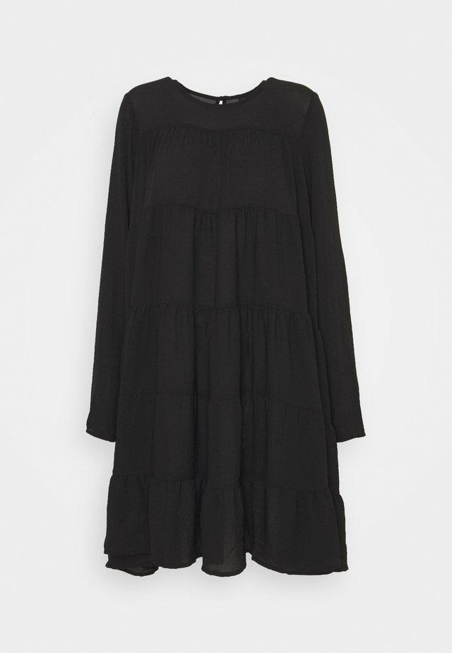 VMZIGGA SHORT O  NECK - Robe d'été - black
