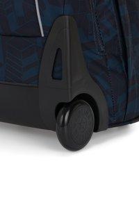 Kipling - Wheeled suitcase - building - 4