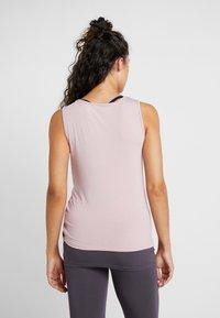 Curare Yogawear - TANK  - Top - rosewood - 2