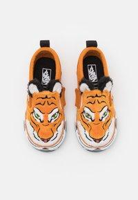 Vans - WILD TIGER UNISEX - Trainers - orange - 3