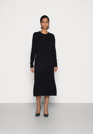 LONG DERESS WITH LONG SLEEVES ONE POCKET AND TWO SIDE SLITS - Jumper dress - black