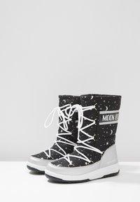 Moon Boot - UNIVERSE - Snowboot/Winterstiefel - silver/black - 3