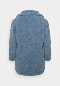 CAPSULE by Simply Be - TEDDY COAT - Classic coat - dusky blue - 5
