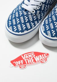 Vans - AUTHENTIC - Zapatillas - true blue/true white - 6