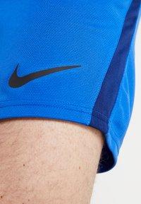 Nike Performance - SHORT TRAIN - Korte sportsbukser - game royal/blue void/black - 5
