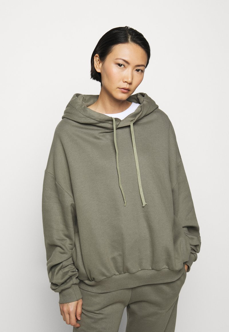 Mykke Hofmann - FINN COSWE - Hoodie - light dust green