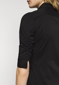 Steffen Schraut - THE ESSENTIAL BLOUSE - Button-down blouse - black - 5