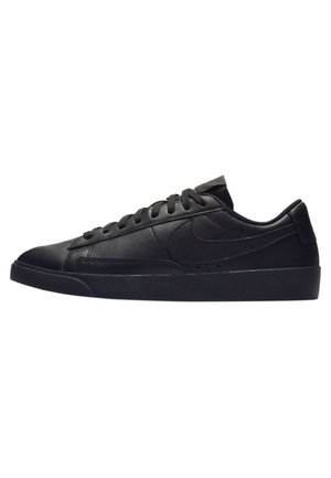 BLAZER - Baskets basses - black