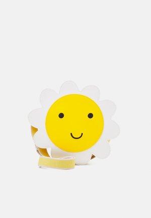 NOVELTY DAISY HANDBAG SOLID - Across body bag - lemon yellow