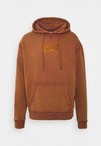Karl Kani - SMALL SIGNATURE BOX WASHED HOODIE UNISEX - Sweatshirt - dark orange - 5