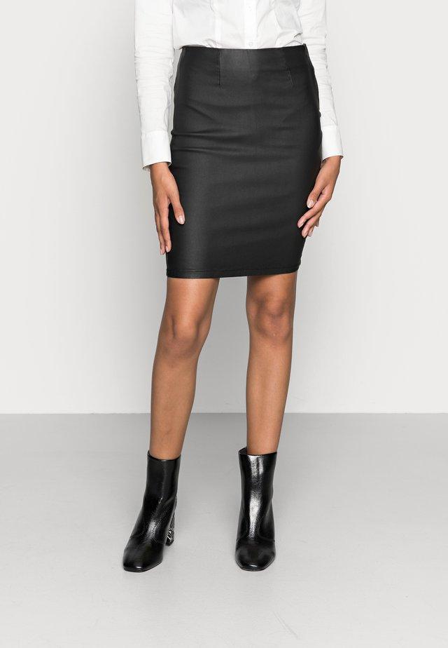 PCPARO SKIRT - Falda de tubo - black