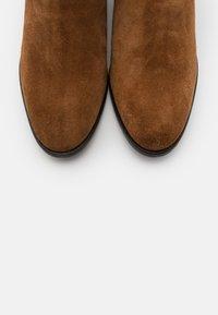 Copenhagen Shoes - ELLIE  - Stivaletti - cognac - 5