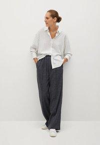 Mango - STRIPE - Button-down blouse - blanc - 1
