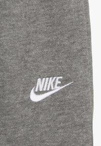 Nike Sportswear - CLUB CUFF PANT - Verryttelyhousut - carbon heather - 3