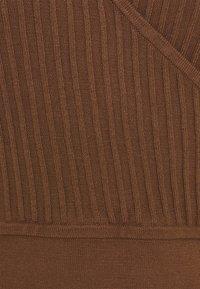 Esprit Collection - DRESS - Pouzdrové šaty - toffee - 2