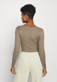 Missguided - NECK BODY - Pullover - khaki - 2