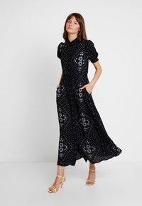 Vero Moda - VMNICE ANCLE DRESS - Maxikjoler - black - 0