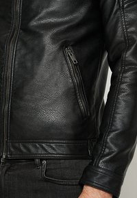 Jack & Jones - JJEROCKY JACKET - Faux leather jacket - black - 6