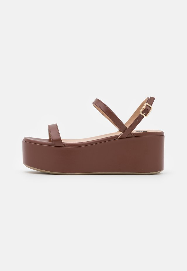 Sandales à plateforme - savage brown