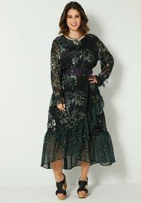 Sara Lindholm by HAPPYsize - Maxi dress - schwarz/grün - 0