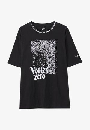 MIT BANDANA-PRINT - Print T-shirt - mottled black