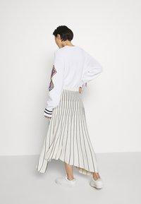MRZ - PLEAT SKIRT - Plisovaná sukně - beige/black - 2