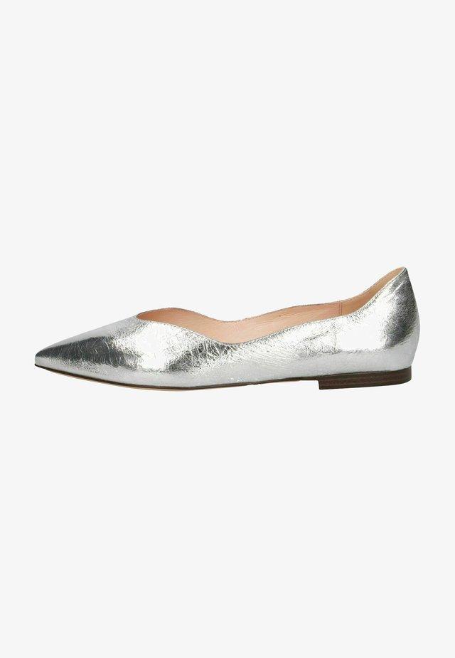 Ballerinat - silver metal