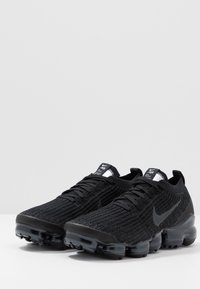 Nike Sportswear - AIR VAPORMAX FLYKNIT - Trainers - black/anthracite/white/metallic silver - 2