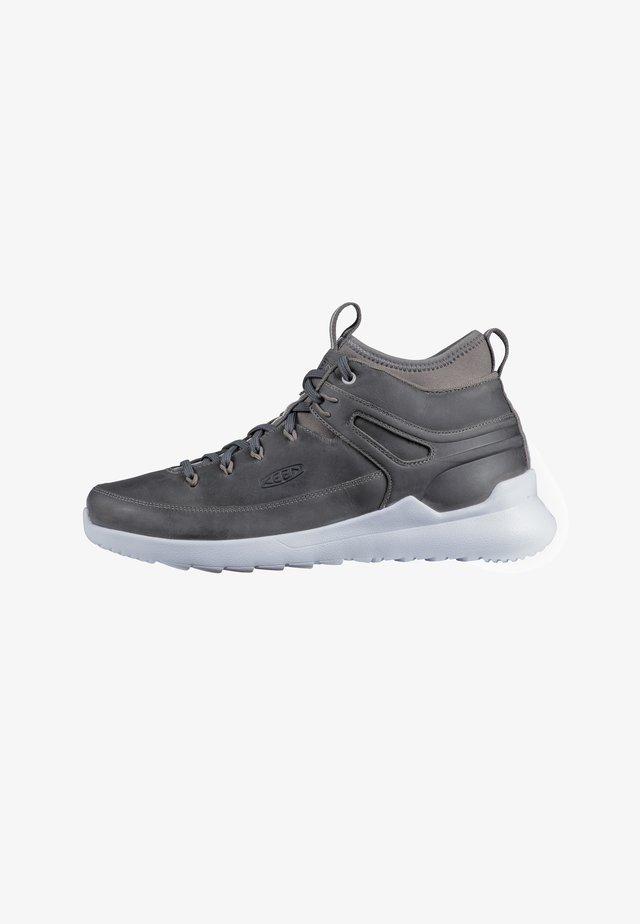 HIGHLAND - Hiking shoes - growler/white