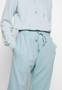 Missguided - OVERSIZED JOGGER - Tracksuit bottoms - blue - 4