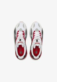 puma white-high risk red