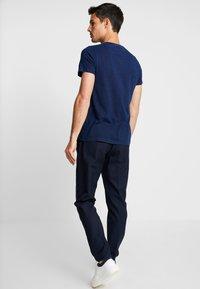 Superdry - ORANGE LABEL VINTAGE EMBROIDERY TEE - T-shirt basic - dark wash indigo - 2