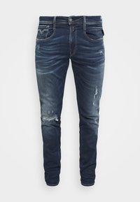 Replay - ANBASS HYPERFLEX REUSED X LITE - Jeans Tapered Fit - dark blue denim - 4