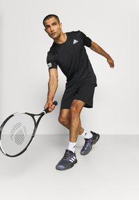 adidas Performance - ERGO SHORT - Sportovní kraťasy - black/white - 3