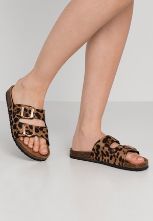 REX DOUBLE BUCKLE SLIDE - Slippers - brown