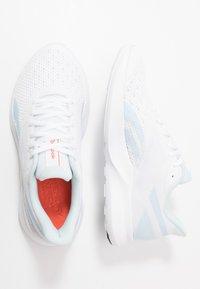 Reebok - SPEED BREEZE 2.0 - Neutrální běžecké boty - white/glas blue/vivid orange - 1
