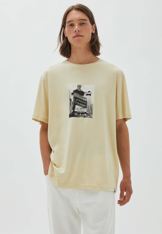 Herren mit Sandgebäudeillustration - T-Shirt print