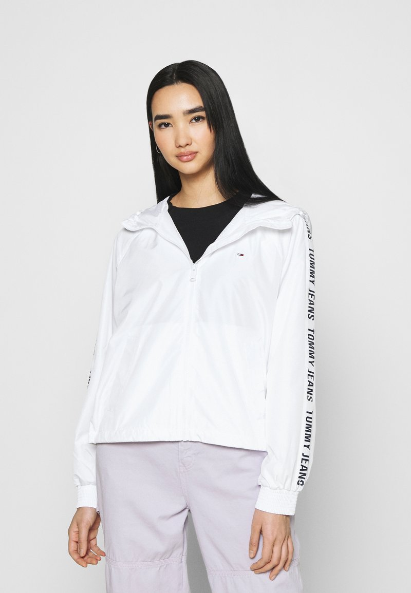 Tommy Jeans - TAPE SLEEVE  - Summer jacket - white
