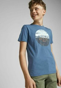 Jack & Jones Junior - JUNGS PINSELSTRICH - Print T-shirt - ensign blue - 3