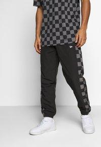 New Era - CONTEMPORARY JOGGER - Club wear - black - 0