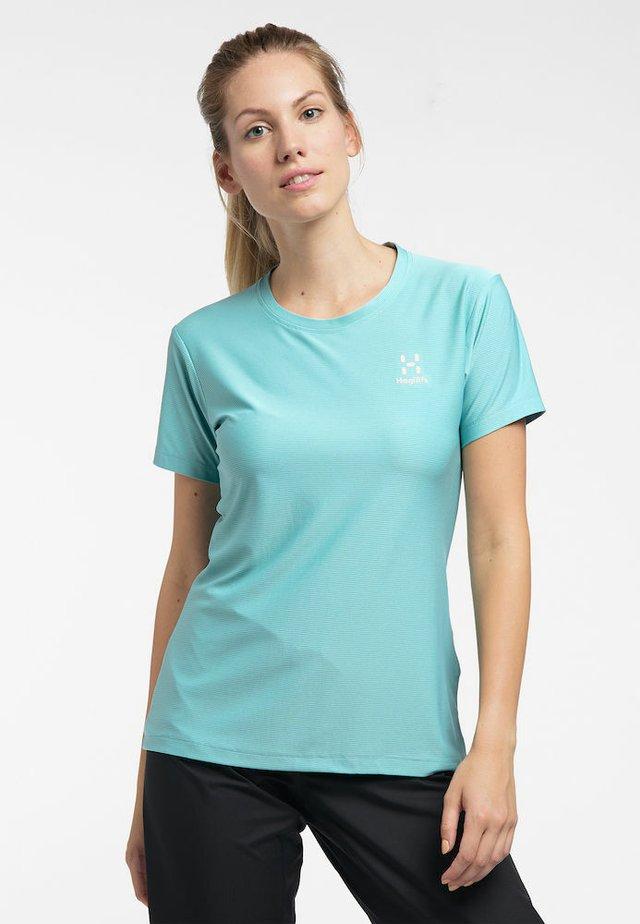 L.I.M TECH TEE - Print T-shirt - glacier green