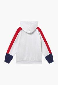 Levi's® - COLOR BLOCK HOODIE - Hoodie - white - 1