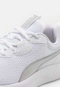 Puma - RESOLVE METALLIC - Neutral running shoes - white/metallic silver - 5
