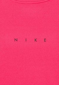 Nike Performance - Print T-shirt - hyper pink/pink glow/black - 2