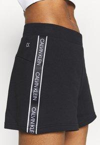 Calvin Klein Performance - SHORTS - Sportovní kraťasy - black - 4