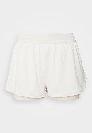 DRY SHORT - Pantalón corto de deporte - light orewood/white
