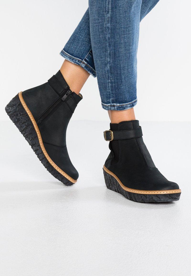 El Naturalista - MYTH YGGDRASIL - Ankle boots - black